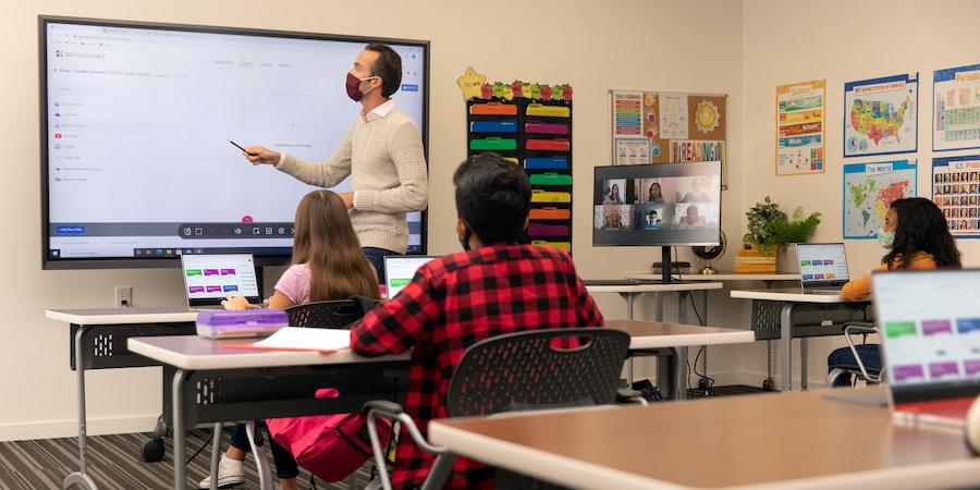 Hybrid classroom with smartboard